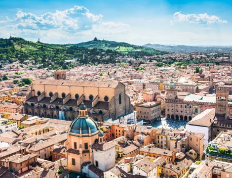 City Break in Bologna la 124 euro/p (zbor direct + 3 nopti de cazare + mic dejun)