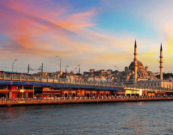 City Break in Istanbul la 127 euro/p (zbor + cazare + mic dejun)